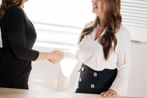 Join ITWomen for a Virtual Lunch Date! Friday, April 10, 12:30 pm Webinar: Negotiate Your Worth!